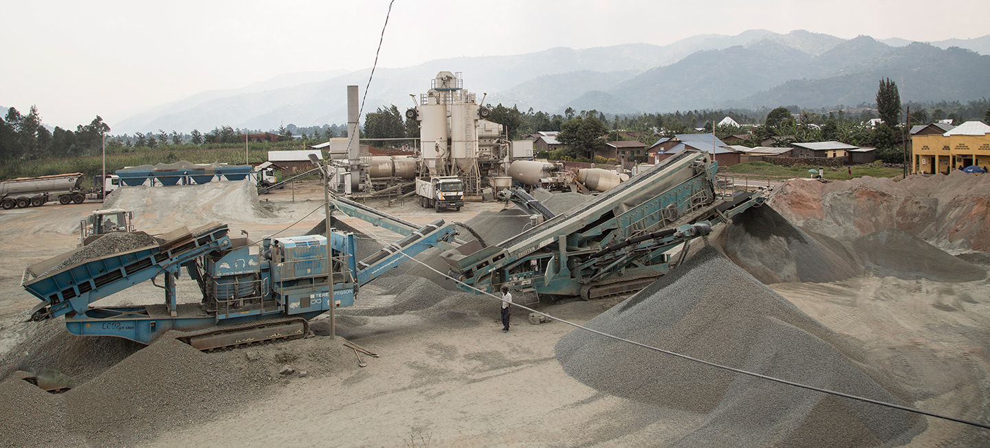 crushing machine and asphalt plant